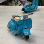 vespa plava mala1